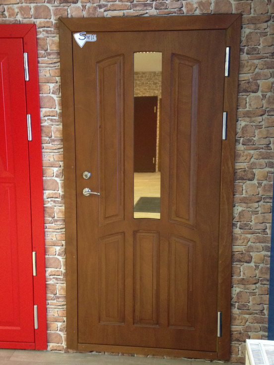metāla durvis mājai